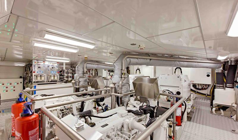 Экспедиционная яхта Гортензия - JFA 90 Hortense- машинное отделение