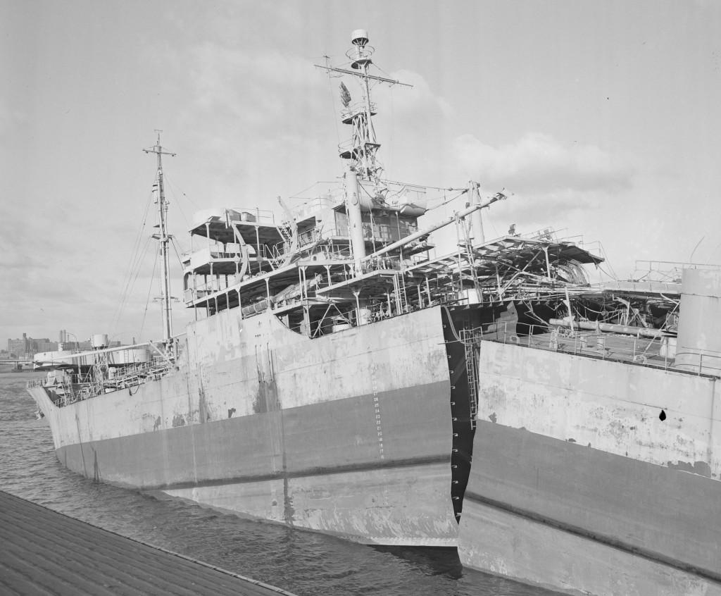 Разлом судна по сварному шву