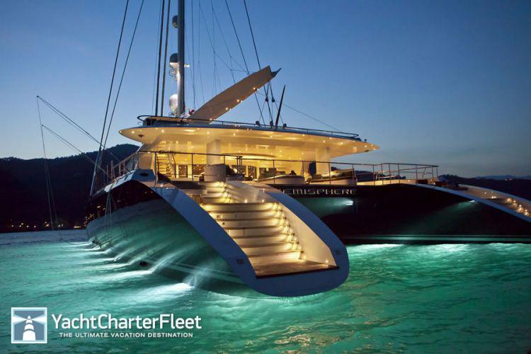 HEMISPHERE-yacht-underwater-lights-5-large.jpg image_id=94378&k=d983&w=750&h=500&q=75