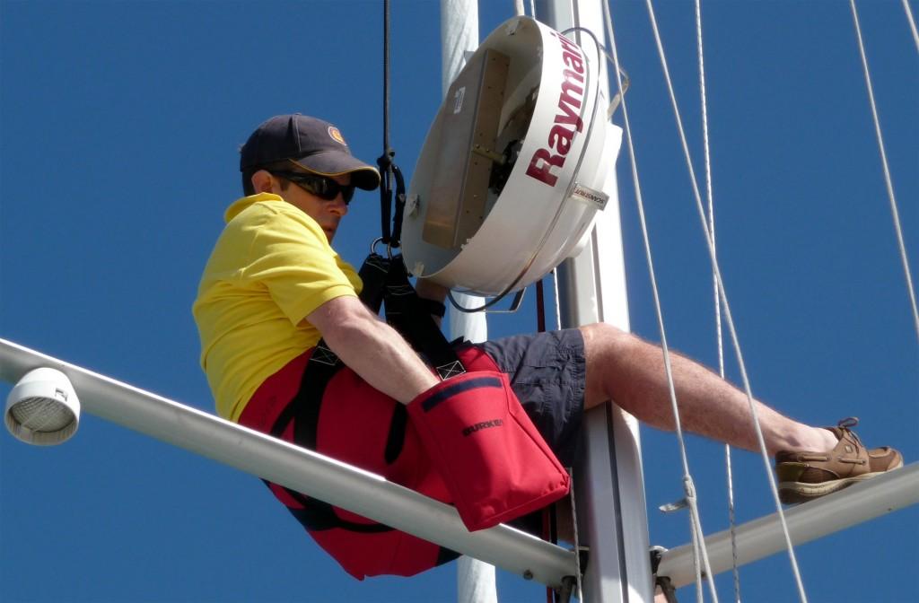 broken-mast-03-broken-radar