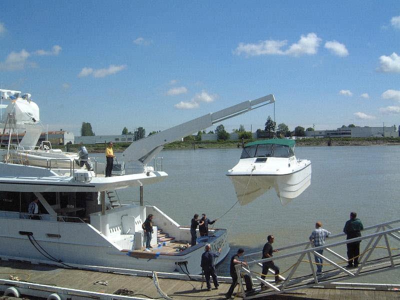 telescopic-rotary-yacht-davits-22416-333219