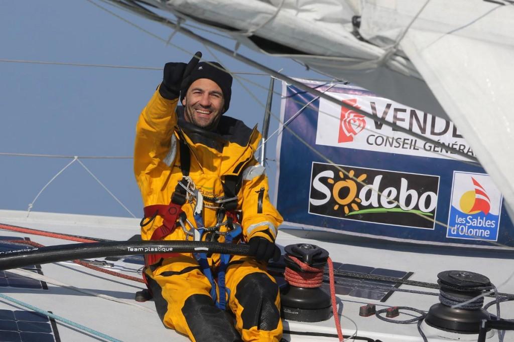 Алессандро Ди Бенедетто на своей шестиметровой лодке