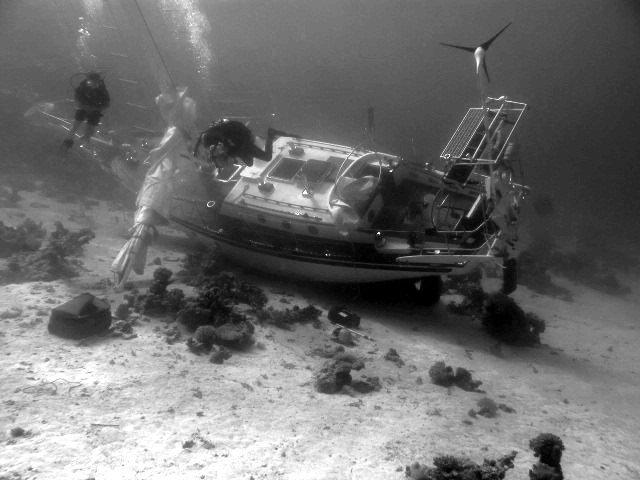 затонувшая в дахабе шведская парусная яхта