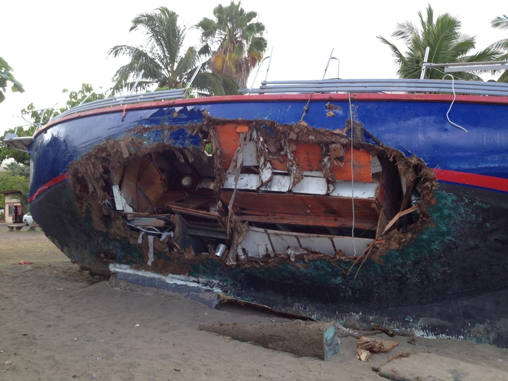 damaged-yacht1