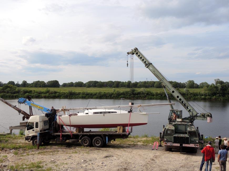 спуск яхты проекта ракета-970 на воду