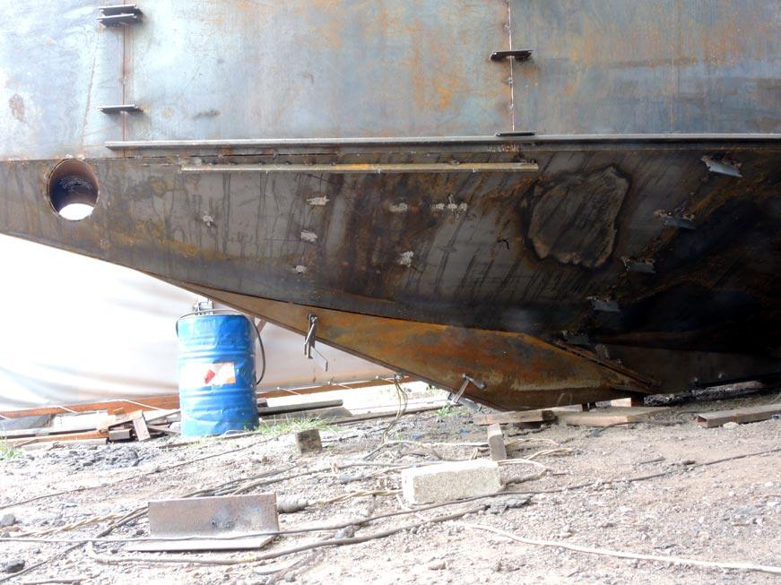 стальной киль стальной яхты