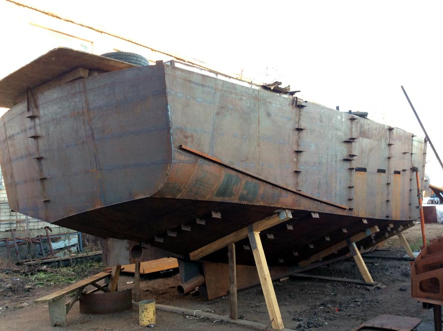 hull-of-steel-yacht-3