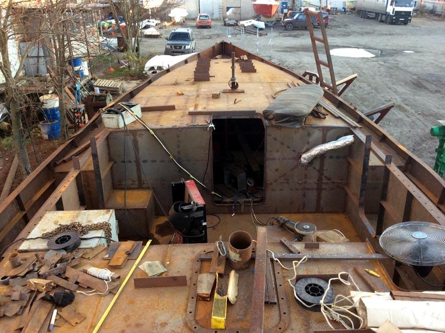 стальной корпус парусной яхты