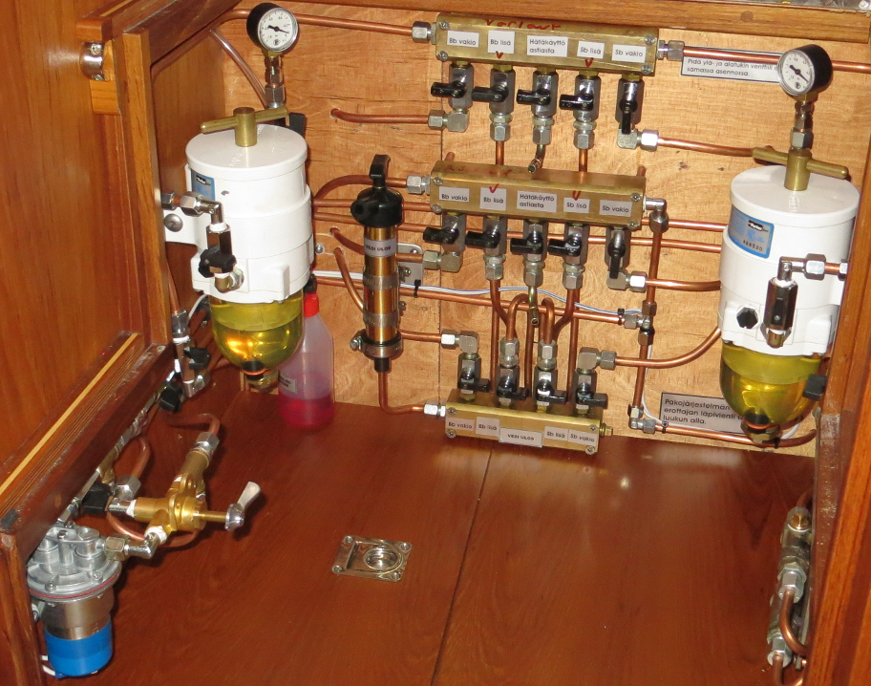 diesel polishing system on a yacht