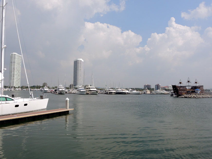 ocean-marina-pattaya-09