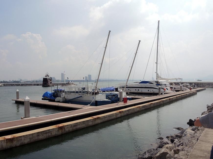 ocean-marina-pattaya-10